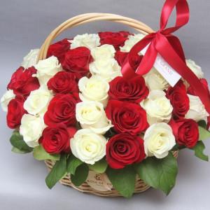 Корзина из  эквадорских роз