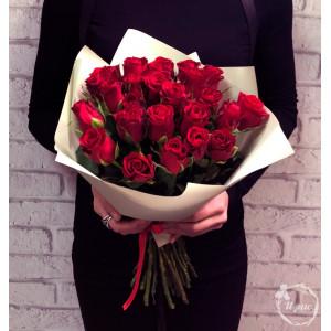 Букет из 21 красной кенийской розы