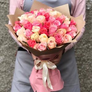 Букет розовых кенийских роз