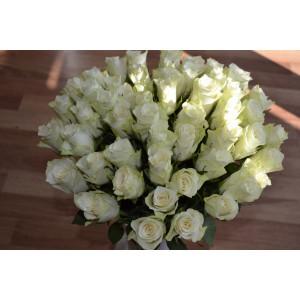 Букет из белых кенийских роз